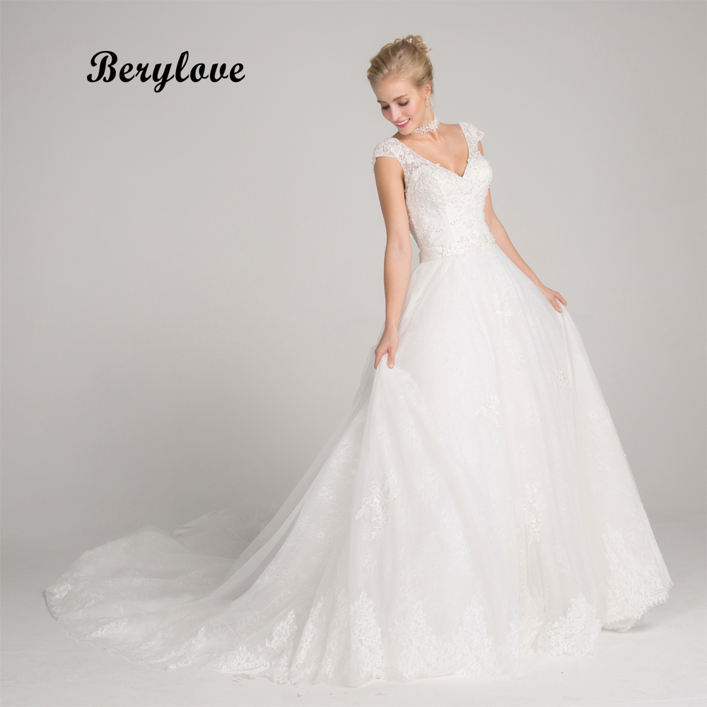 BeryLove Long White Wedding Dresses 2018 V Neck Backless Beaded Lace Wedding Dress Court Train Women Styles Wedding Gowns
