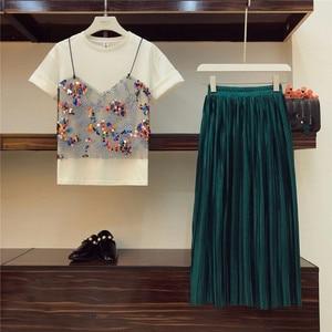 Image 2 - 2019 conjunto duas peças de camiseta e saia plissada, com lantejoulas e malha de retalho império, sólida veludo, moda de rua alta