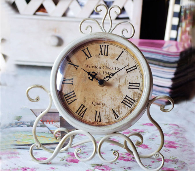 Vintage Iron Home Decoration Table Clock Silent Desktop Clock Montre Reine  Des Neiges Horloge 16(