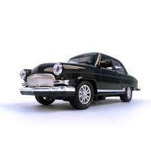 Литой автомобиль Волга GAZ-21 1:32 Масштаб винтажная классика сплав модель автомобиля коллекционная игрушка автомобиль с звуком и светом
