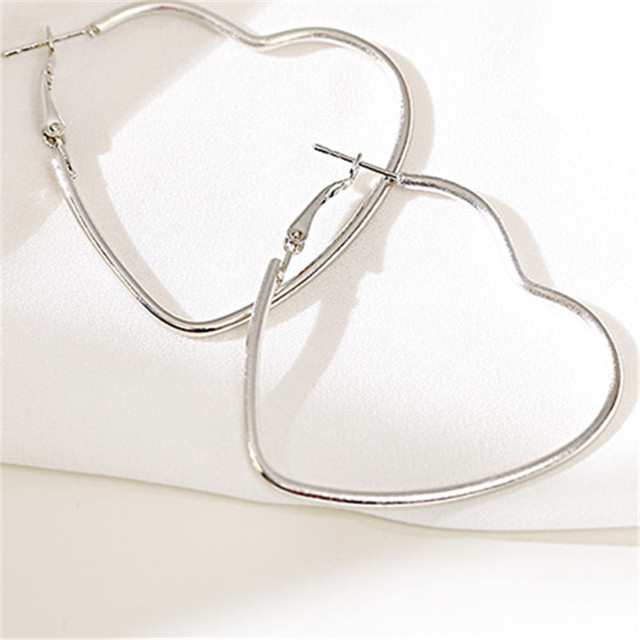 Европейские и американские простые серьги, милые, темпераментные, с металлической линией, модные серьги для женщин и девочек, бесплатная доставка