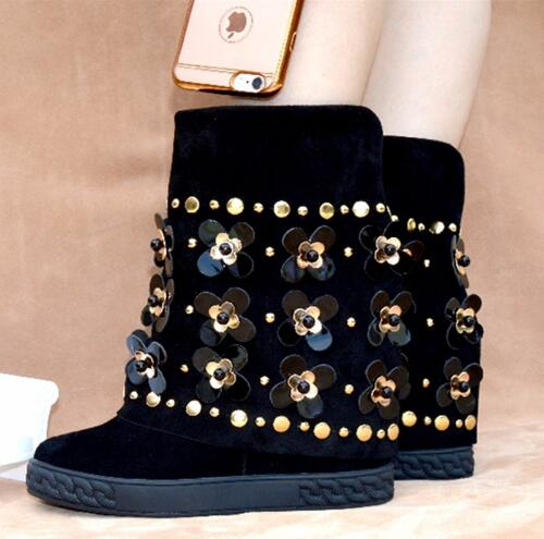 где купить New Fashion Ankle Boots Suede Black Floral Embellished Studded Wedge Boots Height Increaing Women Winter Boots по лучшей цене