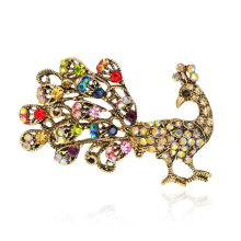 Luxury Rhinestone Peacock Brooches Women Boutonniere Animal Jewelry Accessories Suit Brooch 2017