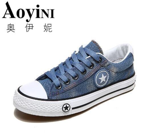 2018 Mulheres Primavera Sapatos de Lona Azul Shoes Tenis Feminino Clássico  Da Moda Senhoras Sapatos Casuais Rendas Até Apartamentos Estrela Calçados  ... bf16860c2e1