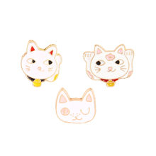 Broches Maneki Neko en émail, broche chat porte-bonheur, japon, Badge Lapin, accessoires bijoux, vente en gros
