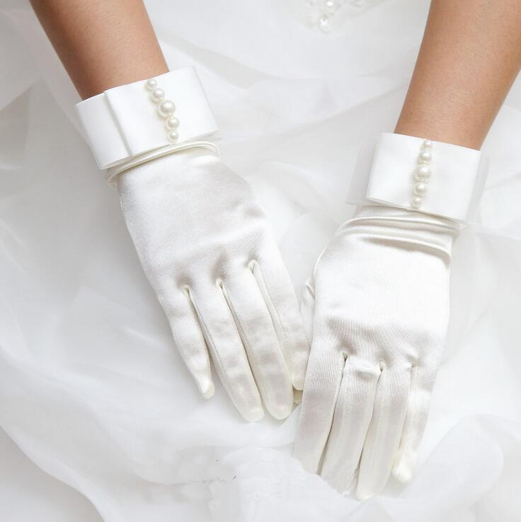 Women's Pearl Beaded Elastic Satin Glove Lady's Short Sunscreen Glove Female Dancing Performance Glove R379