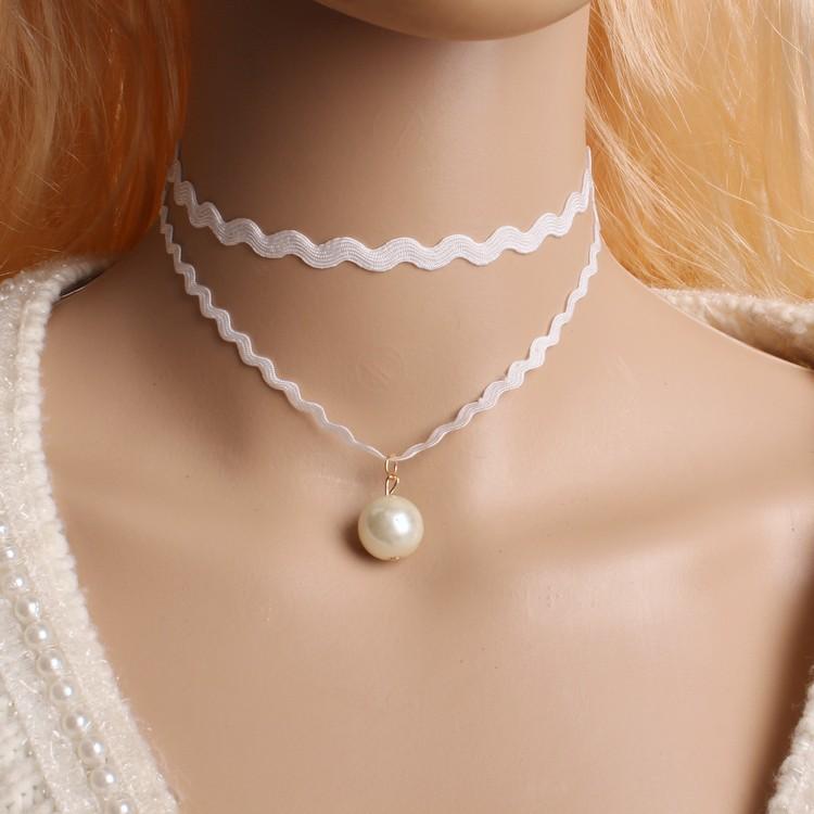 Fashion Retro hollow Lace Crystal imitation pearl skull Pends