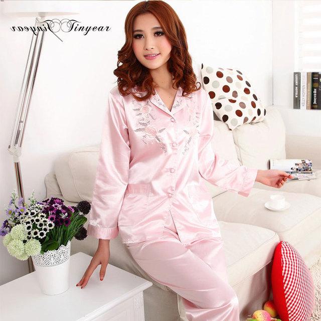 En stock pijamas mujer pijama de seda de la manga completa primavera verano gran tamaño combinaison floral bordado ropa de dormir de noche 3 colores