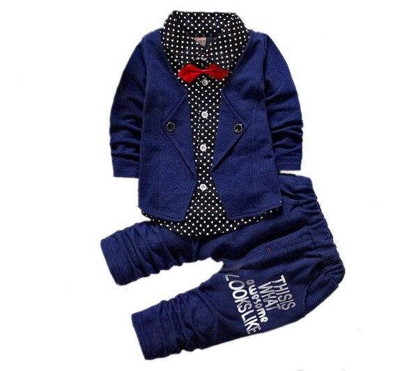 08cdad59a 2016 chicos de primavera dos falsos ropa conjuntos infantil chicos carta  botón arco traje de juegos de los niños de la chaqueta + pantalones 2 unids  ropa ...
