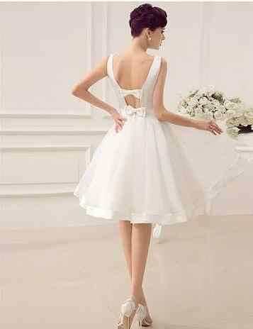 2019 זול לבן מיני קצר שושבינה שמלות אונליין V-צוואר הברך אורך תחרה לכבוד עוזרת חתונה מסיבת שמלת vestidos דה festa