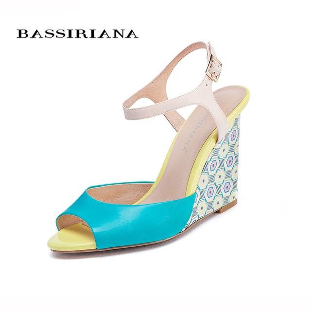 Новые ботинки женщина 2017 Клинья сандалии Синий цвет Мода женщина обувь на лето 35-40 Назад ремень Бесплатная доставка BASSIRIANA