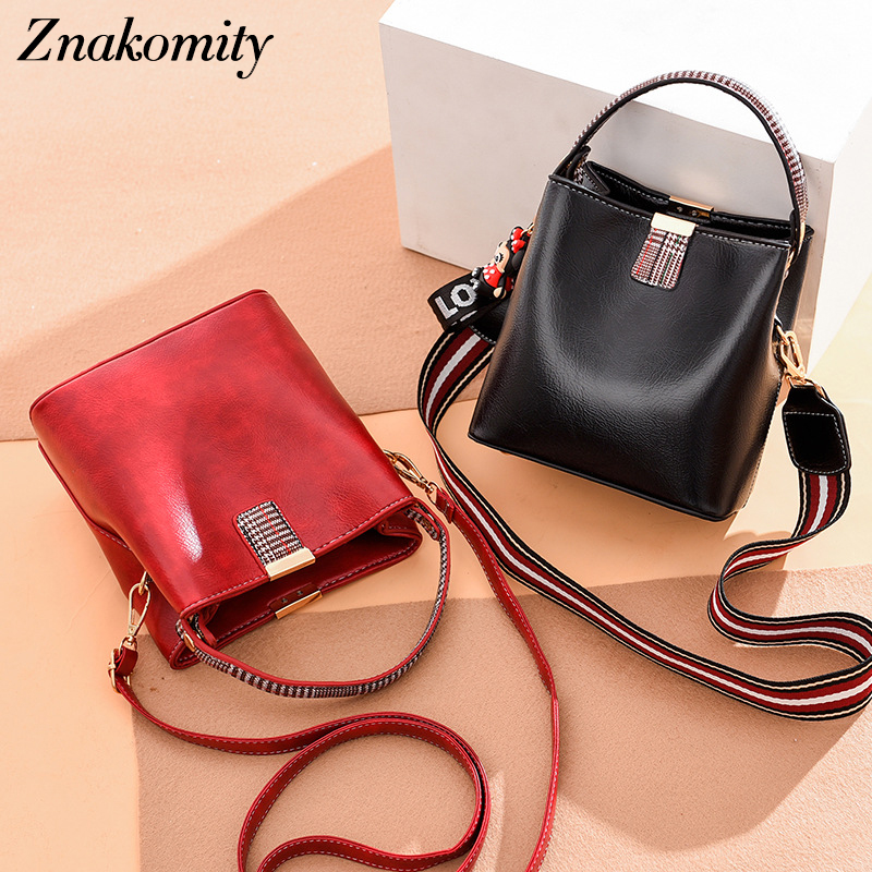 Znakomity Women Bucket Handbag PU Leather 2019 New Fashion Doll Pendant Crossbody Shoulder Bags Elegant Messenger Bag For Female