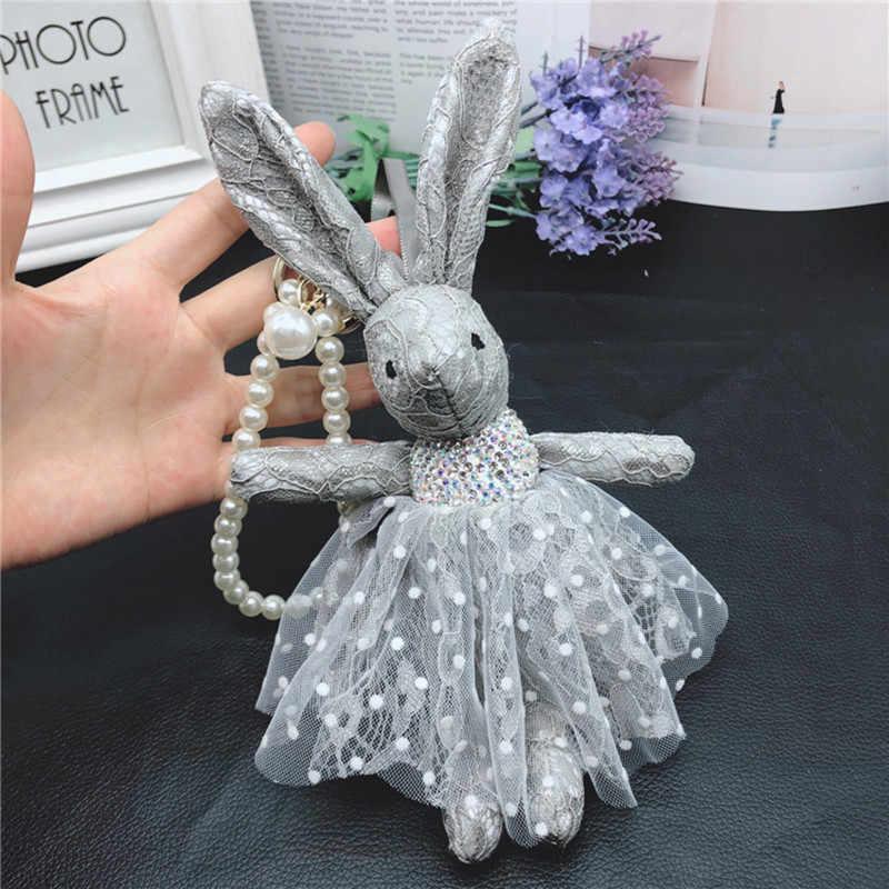 Moda Coelho Encantador Vestido de Renda Bowknot Cristais Pérolas Enfeite de Pom Pom Pele Artificial Keychain Anel Chave 22 CM
