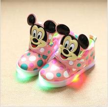 2016 Nouveaux Enfants Occasionnels Shoes Bébé Enfant En Bas Âge Shoes Filles Garçons Sport Shoes Enfants LED Lumière Baskets Bébé Lumineux livraison gratuite