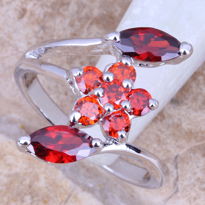 Superb Red Garnet Silver Stamped 925 Womens Flower Ring Size 6 / 7 / 8 / 9 R0912