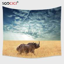 Кутом гобелен настенный, сафари Декор Коллекция носорог солнце светит через облачно небо Луг осенний вид синий