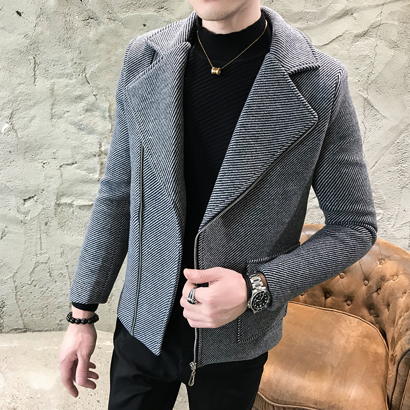 2019 New Autumn Winter Stripe Men's Short Woolen Coat Diagonal Zipper Design Tide Man Casual Man Warmth Overcoat Windbreaker