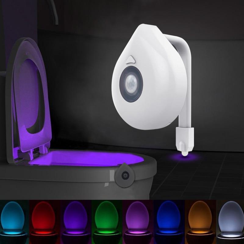 Светодиодный ночной Светильник для унитаза с датчиком движения, WC светильник, 8 цветов, сменная лампа AAA с питанием от батареи, подсветка для ...
