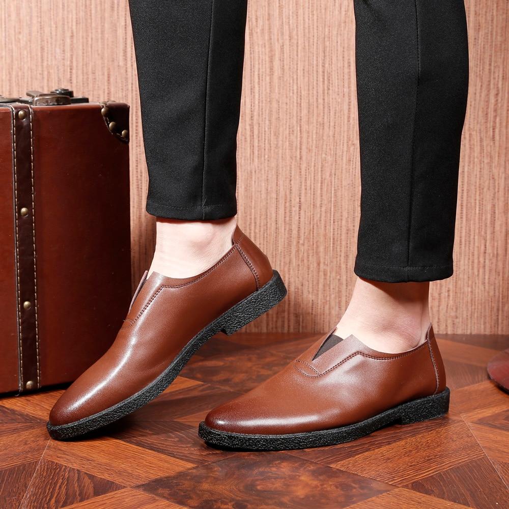 Großhandel Flache Schuhe Herren Müßiggänger Slide On Männer Schuhe Casual Spitzes Zehe Quadratische Fersen Weiß Schwarz Von Clearityy, $85.56 Auf