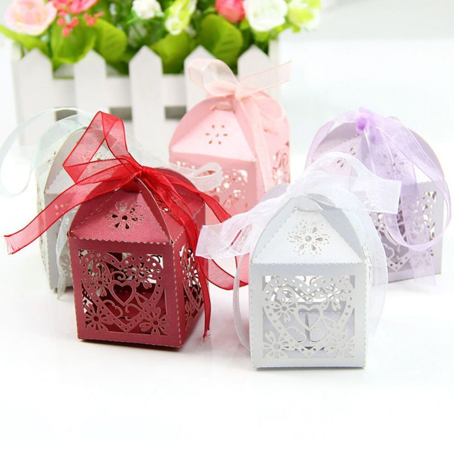 50Pcs/set Love Heart Party Wedding Candy Boxes Cutout Laser Sweets Gifts with Ribbon For Guests Wedding Favors Supplies