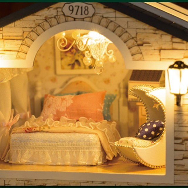 Irish Style DIY Doll House with LED and Furniture