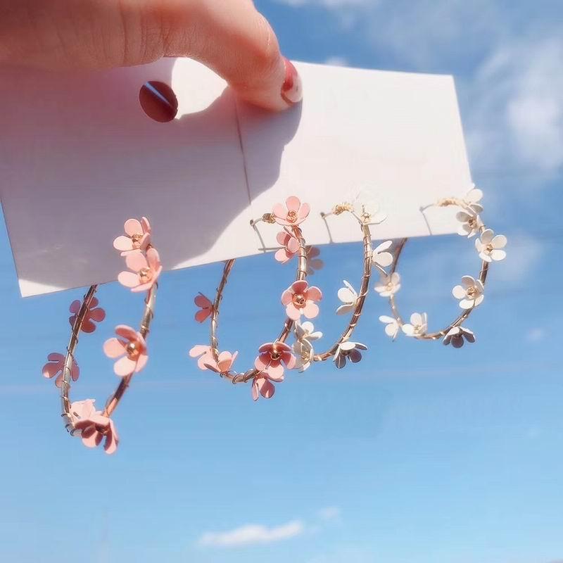 Simple Flower Hoop Earrings For Women 2019 New Chic Sweet Big Round Circle Earrings Wedding Party Jewelry Bijoux