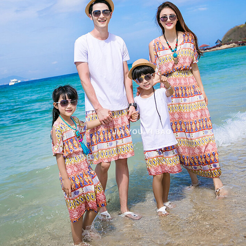 Summer Style Matching Family Outfits Bohemian Beach Strapless Maxi Dress Matching Mother Daughter Dresses Father and son suits