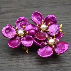 Amxiu ручной работы на заказ натуральная форма жемчужные броши настоящие позолоченные ювелирные булавки три фиолетовые цветы брошь двойного