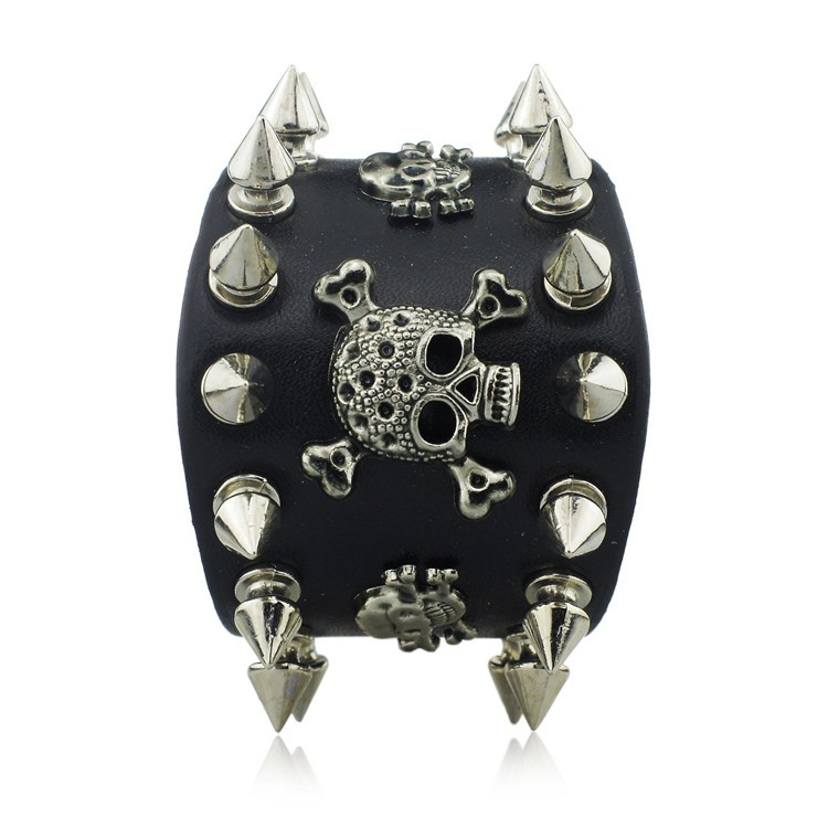 HTB1BQqKKpXXXXXYXFXXq6xXFXXXU - Wide Leather Bracelet with Skulls and Spikes