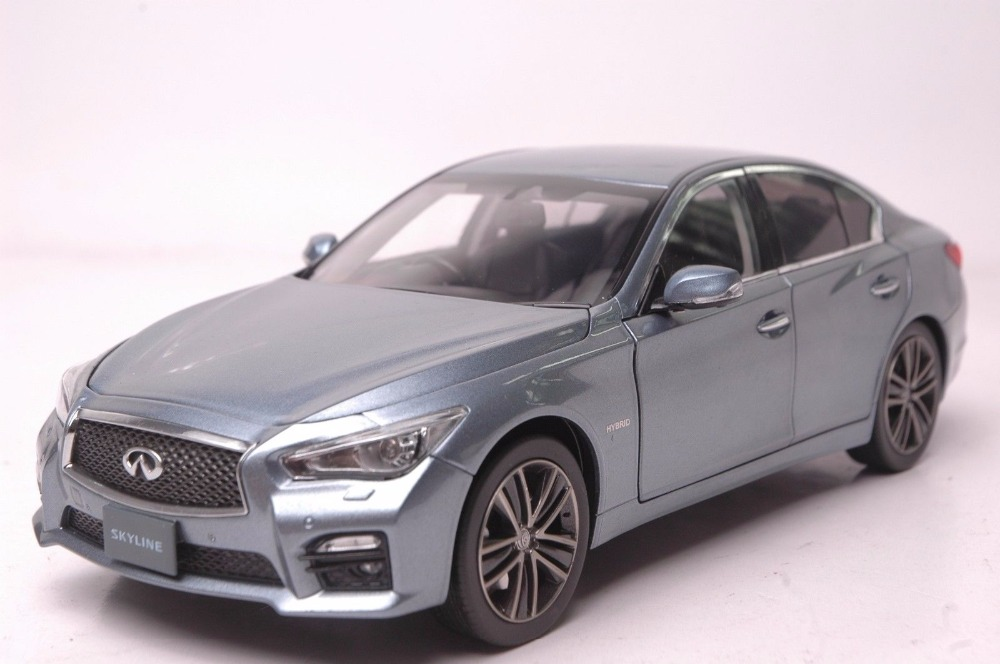 1:18 Diecast Model for Infiniti Skyline 350GT Hybrid Type SP 2015 Blue Alloy Toy Car Miniature Collection Gift Q50