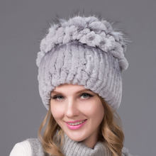 2018 echt Rex kaninchen pelz frauen hut fuchs haar blume mantel zubehör winter plüsch hut damen stricken größe casual damen hut(China)