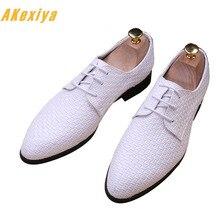 ee50833075 Homens Britânico Designer branco preto tecelagem De Couro Sapatos Oxfords  Masculino Vestido do Regresso A Casa