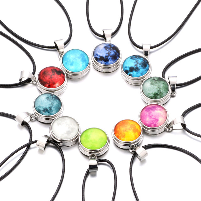 10pcs/lot Glow in the Dark Pendant Necklace Glass Luminous Star Series Moon Plan