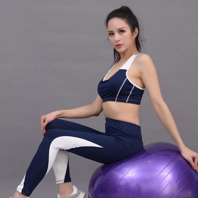 c52e2fbf93ec7 New 2018 Women Yoga Set Sports Bra Long Sleeve Shirts Leggings Sportswear  Fitness Clothing Gym Breathable Sport Suit 3 Piece Set