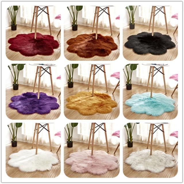 Os Tapetes da Área De Pele Forma de Flor Artificial da pele de Carneiro Macio Tampa Da Cadeira Longa Fluffy Quarto Tapete de Lã Tapete almofada Do Assento Quente Cabeludo
