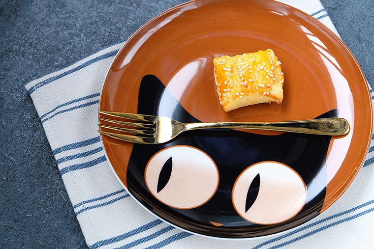 Creative Cat Porcelain Plate 10