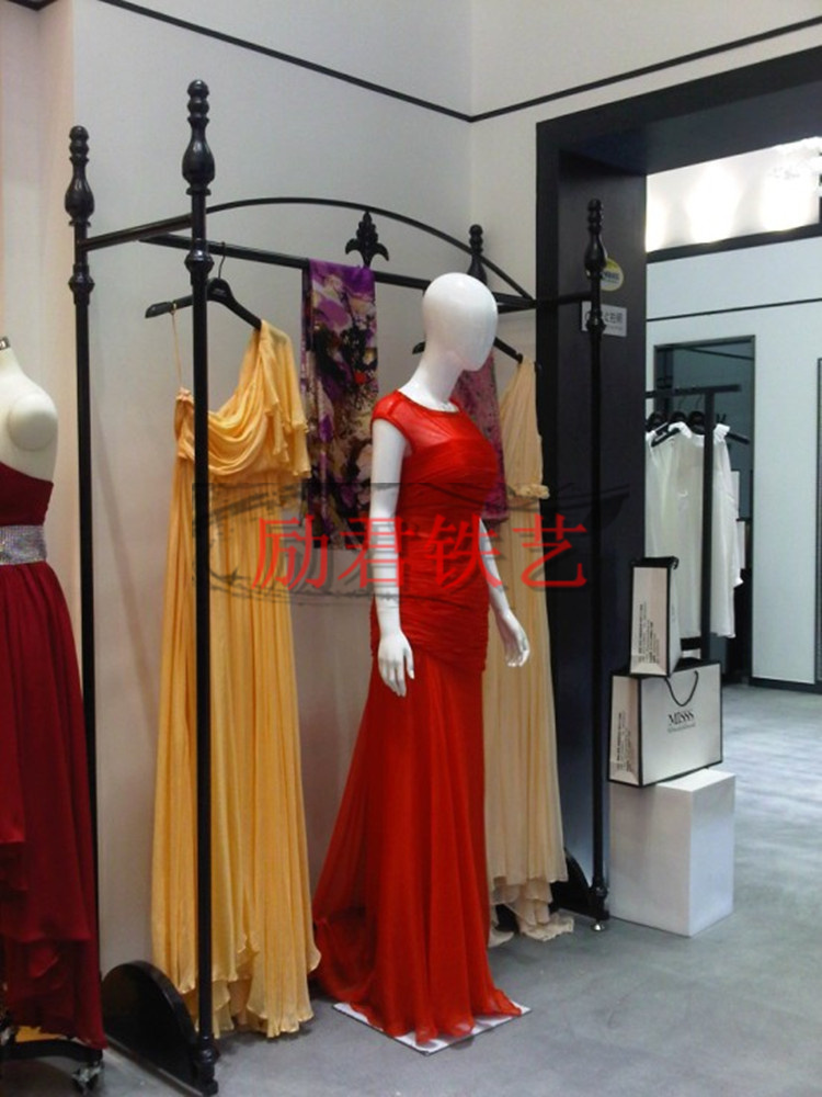 Wrought iron wedding dress clothing aircraft high end for Wedding dress display at home