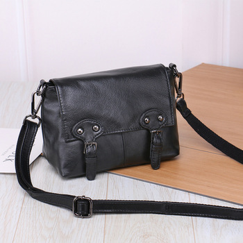 2019 New Leather female Baotou layer cowhide handmade bag postman packets shoulder Oblique cross small bag manufacturers