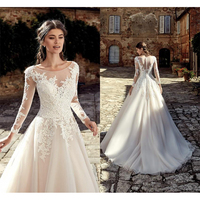2019 New Designed Country Boho Wedding Dresses Summer Garden A Line Sheer Scoop Neck Appliques Long Bridal Gowns