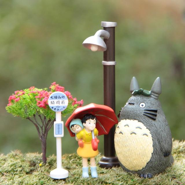 Studio Ghibli Toy My Neighbor Totoro Umbrella Satsuki Mei Street Lamp Bus Station Tree PVC Action Figure Classic Toys 5pcs/lot