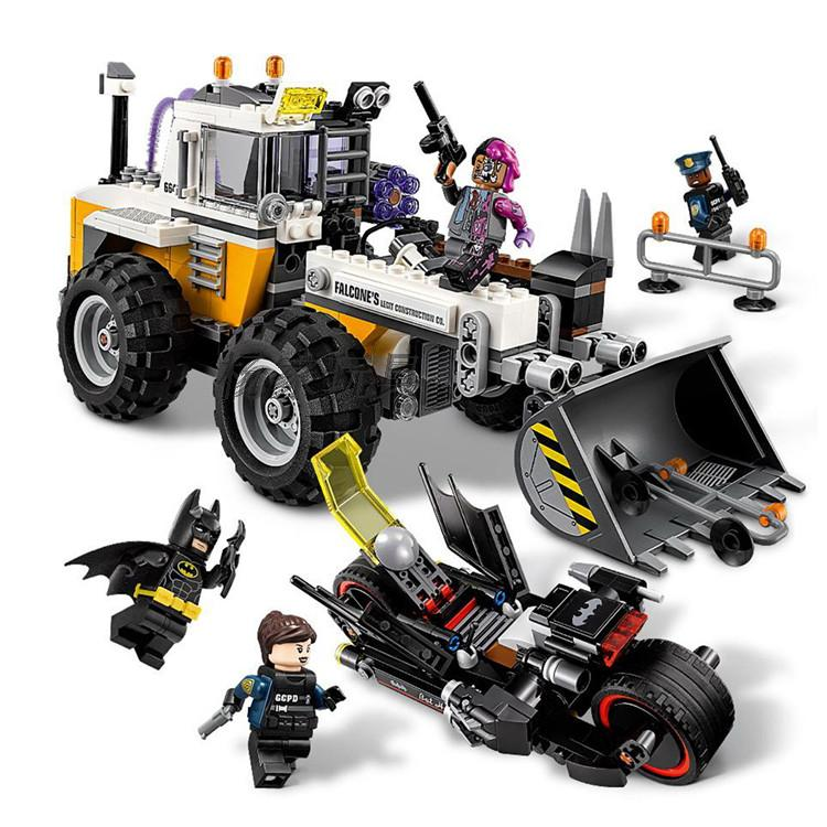Lepin 07082 584pcs Batman Movie Two-Face Double Demolition Navvy Bat Rooter Building Blocks Bricks Toys Gift For Children 70915