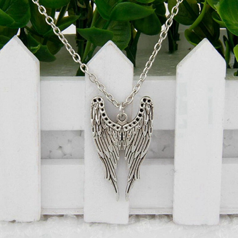 Hot Ancient Silver Wing Bat Ball 19 Kinds Charm Pendant Clavicle Short Necklace Women Jewelry Unique Design Friendship Gift H136