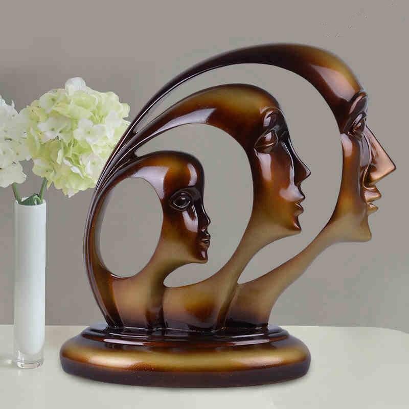 artesanas de madera roja escultura