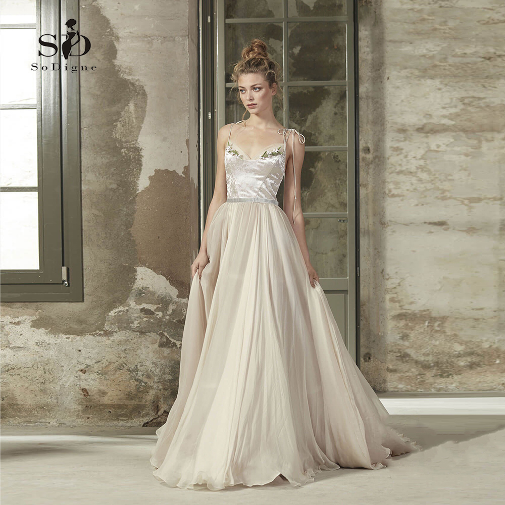 Beach Wedding Dress Spaghetti Straps Bridal Dress 2018 Velet With Flowers Custom Made Romantic Newest Coming