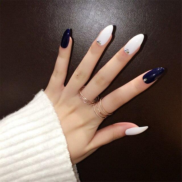 Classcial De Noël Décoration Faux Ongles Longs Sharp Tête Noir Blanc Croix  Style 24 pcs Acrylique