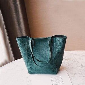 Image 2 - DAUNAVIA Women Alligator bucket bags Handbags Crossbody Bags For Women Shoulder Bags Messenger Bag Designer Leather Handbags