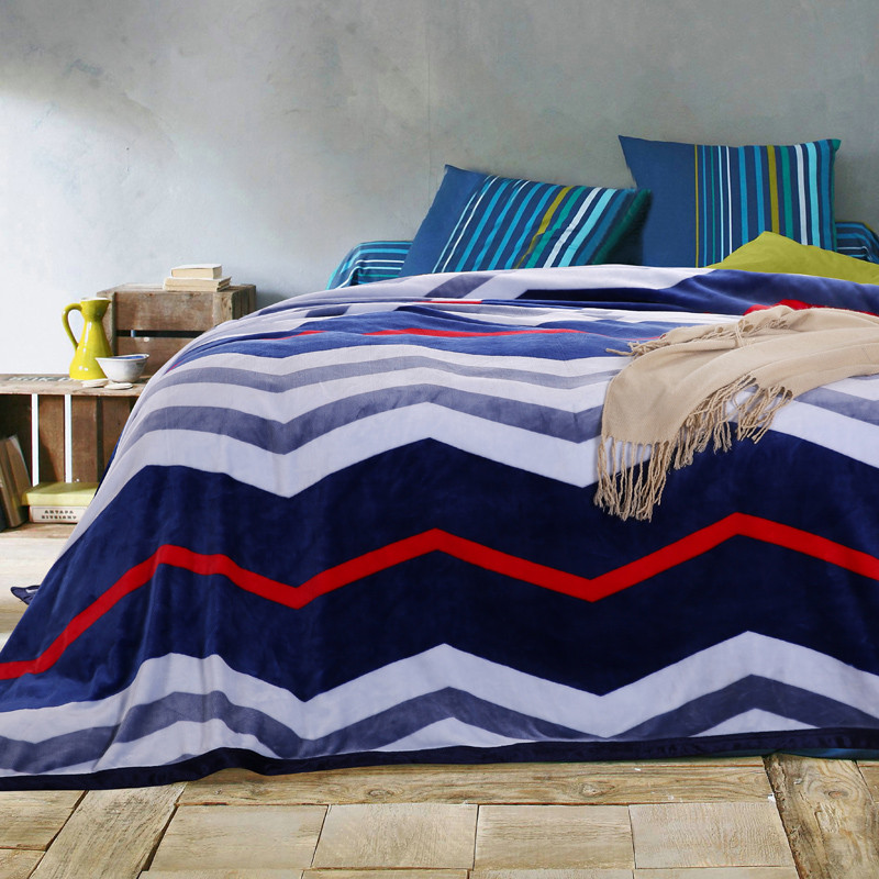 цены  High Quality Zigzag Chevron Pattern Plush Velvet Blanket for Bed Sofa Twin Full Queen King Size Blue Red White Couverture de Lit