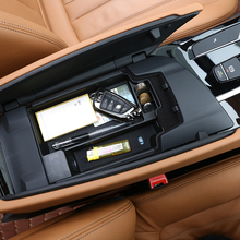 купить For BMW New 5 Series G30 2017 2018 Plastic Car Center Console Storage Box Phone Tray Accessories with Mat дешево