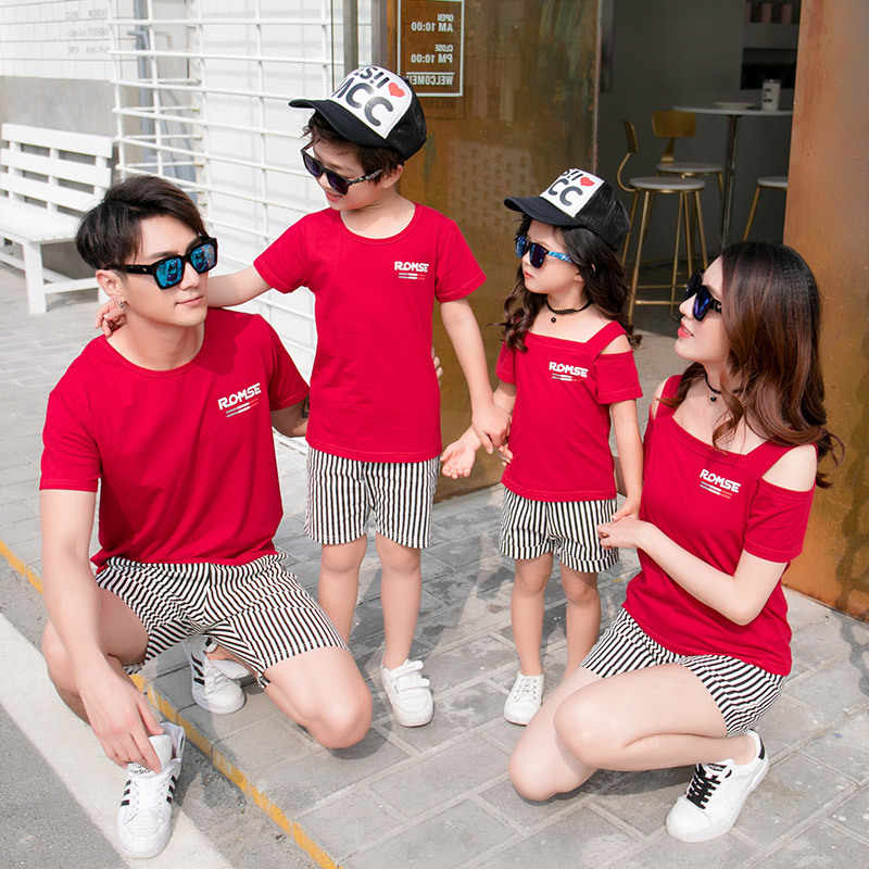 2018 Family Matching Clothing Set Red Short Sleeve T Shirt + Stripes Shorts 2pcs Mom Daughter Son Casual Clothes Set