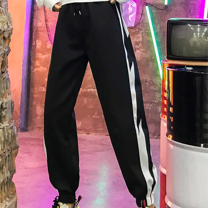 2019 Summer Fashion trousers black white hip hop pants women joggers sweatpants streetwear Side Stripe long pants pantalon femme